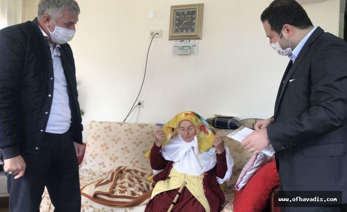 100 yaş üzeri ve şehit annelerine Anneler Günü ziyareti