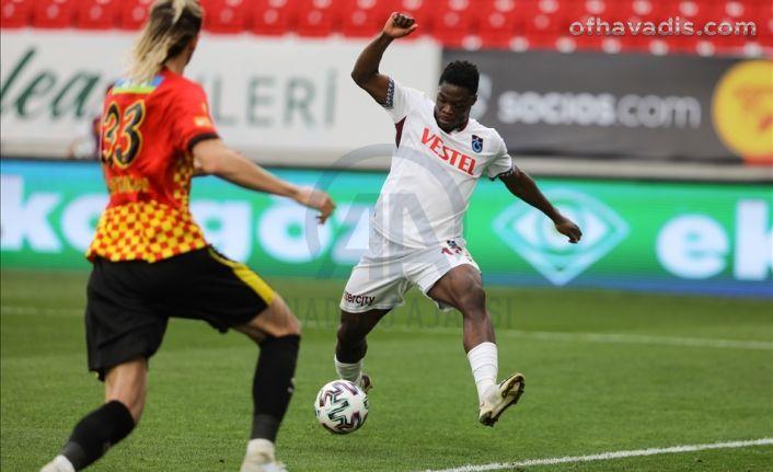 Trabzonspor İzmir'de 1 puanı Ekuban'la kurtardı