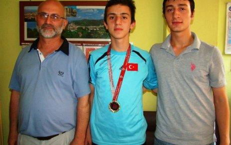 Abdülkadir, bir kez daha Türkiye Şampiyonu