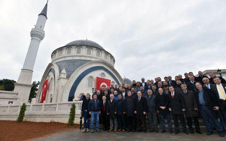Ahi Evren Camisi ibadete açıldı