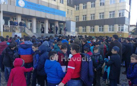 Ali Yeşilyurt İmam Hatip Ortaokulunda karne heyecanı