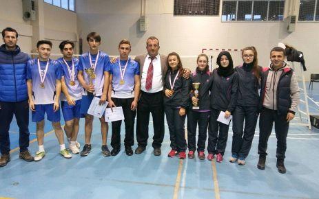 Badminton'da Ulusoy şampiyon, Anadolu ikinci