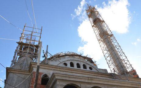 Başkan Sarıalioğlu İrfanlı Büyük Camii inşaatını inceledi
