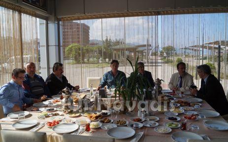Başkan Sarıalioğlu Of Basınını kahvaltıda ağırladı