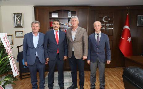 Başkan Sarıalioğlu'ndan Müdür Alper'e hayırlı olsun ziyareti