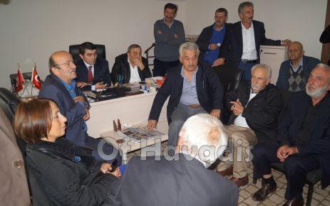 Bekaroğlu Of'ta CHP'lilerle bayramlaştı