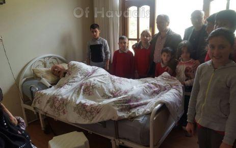 Cumapazarılı Öğrencilerden hasta ve yaşlı ziyareti