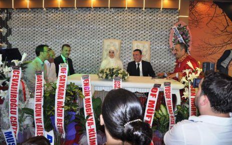 Gazi Murat Ayazoğlu evlendi