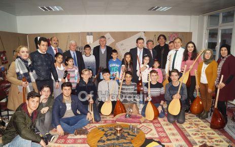 Halk Eğitimi Merkezi müzik kursiyerlerinden müzik ziyafeti