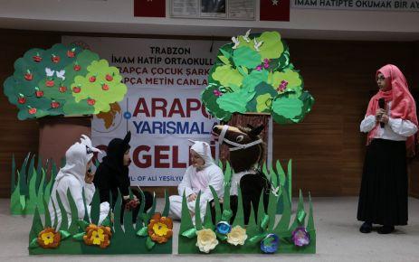 İmam Hatipli öğrencilerden Arapça şarkı ve tiyatro yarışması