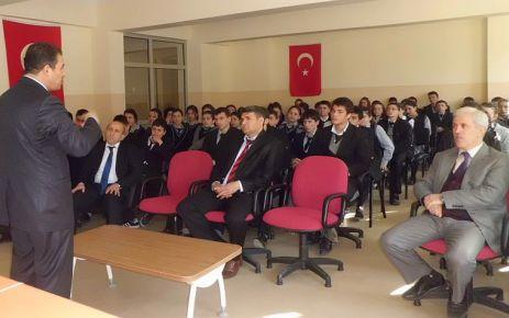 Kapar'dan Öğretmen Lisesi öğrencilerine konferans