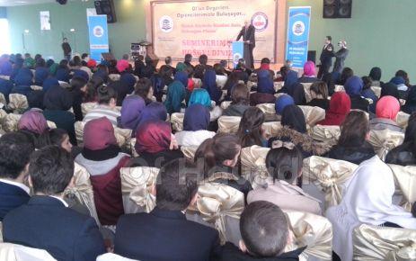 KTÜ Rektörü Baykal Of'ta öğrencilerle buluştu
