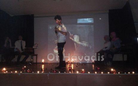 Of Anadolu Lisesi öğrencilerinden şiir gecesi