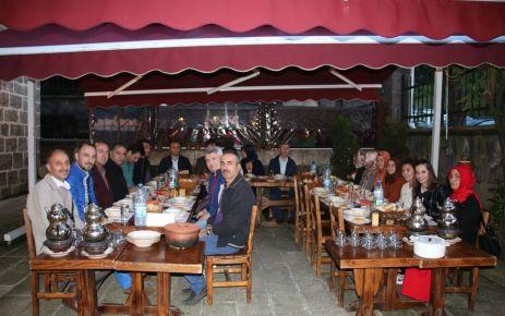 Of Anadolu Lisesi Öğretmenleri iftarda buluştu