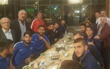 Oflu dernek başkanlarından Ofspor'a İstanbul'da moral