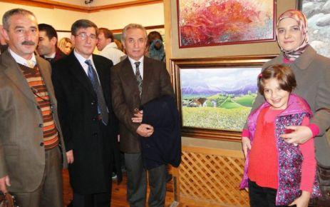 Oflu Ressamlar Trabzon'da sahne aldı