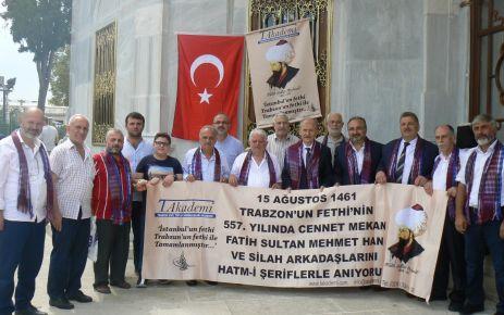 TAKADEMİ Fatih Sultan Mehmet'i kabri başında andı