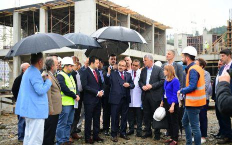 Vali Ustaoğlu, Of'ta yapımı devam eden projeleri inceledi