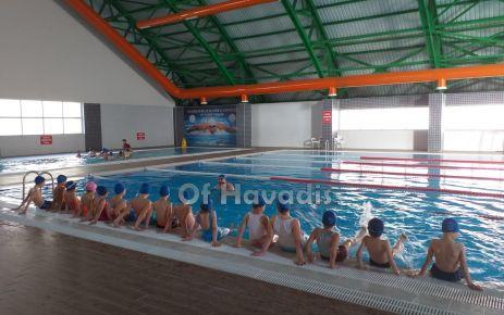 Yüzme havuzu vatandaşların ilgi odağı