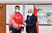 Şampiyon sporcular Başkan Zorluoğlu'nu ziyaret etti