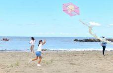 Yalıncak sahil düzenlemesi uçurtma şenliğiyle açıldı