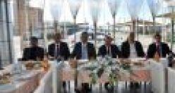 Gümrükçüoğlu Of'ta başkanlarla buluştu