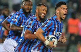 Trabzonspor Fener'i yendi ve liderlik koltuğunu...