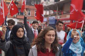 Of Belediye meydanında Cumhuriyet Coşkusu
