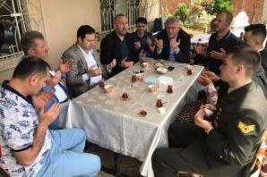Şehit ailelerinin bayramını kutladılar