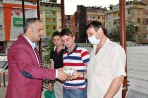 Başkan Saral Hastaların duasını aldı