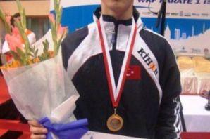 Abdülkadir İstanbul Open'da da şampiyon
