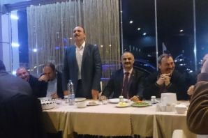 Muhtar Hacımurtezaoğlu Dumlusu'yu yemekte buluştur