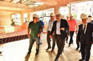 Fatih Parkı 2019 Eylül'de Katlı Otopark 2020 Nisan
