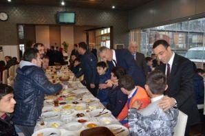 Başkan Sarıalioğlu ve Kaymakam Arslan engelli öğre