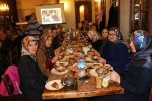 Anadolu Lisesinden Mustafa Kasap'a veda yemeği