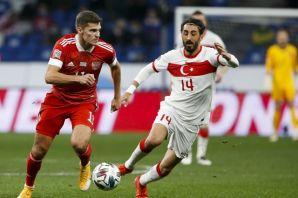 Milli takım Rusya'da beraberliğe razı oldu