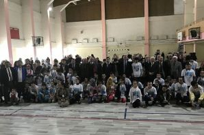 Engelli öğrenciler spor ve yarışmaya doydu