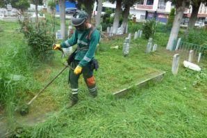 Büyükşehir mezarlıkları bakım ve onarımdan geçiriy