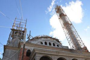 Başkan Sarıalioğlu İrfanlı Büyük Camii inşaatını i