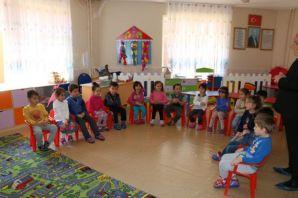 İsmail Yıldırım İlkokulu Anasını Velileri kendini