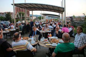 Çakıroğlu Vakfı'ndan geleneksel iftar