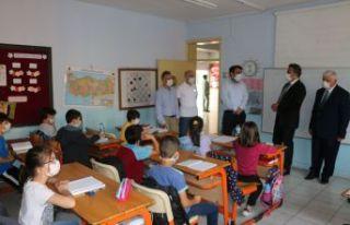 Of'ta mahalle okullarında eğitim kesintisiz devam...