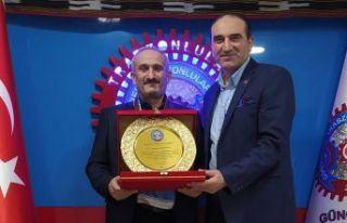 Güngören Trabzonlular Derneği yılın öğretmenini...
