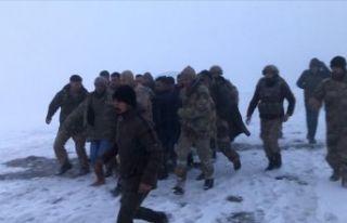 Bitlis Tatvan'da askeri helikopter düştü 9 asker...