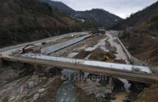 Saraçlı'nın yeni köprüsü hizmet vermeye başladı