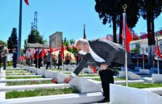 Trabzon şehitliğinde duygulandıran tören