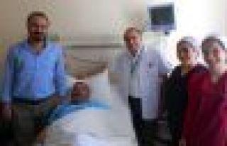 Alireisoğlu'na Of Devlet Hastanesi'nde Artroskopi...