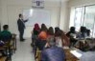 Büyükşehir'in ücretsiz dershanesi eğitime başladı