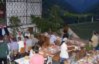 Dernekpazarı'nda Kadir Gecesi ziyafeti