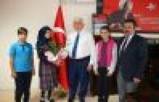 FSM Ortaokulu öğrencilerinden Kabahasanoğlu'na...